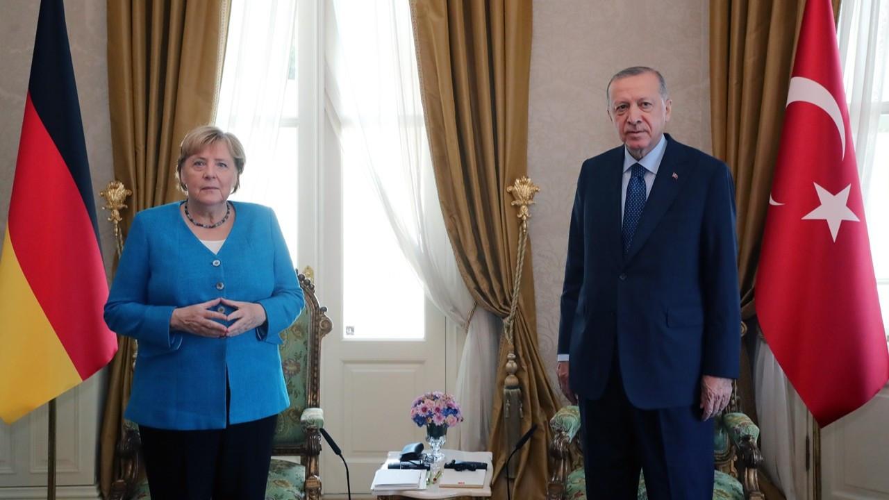 Cumhurbaşkanı Erdoğan, Merkel ile bir araya geldi