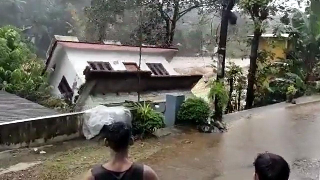 Hindistan felaketi yaşadı: 18 ölü