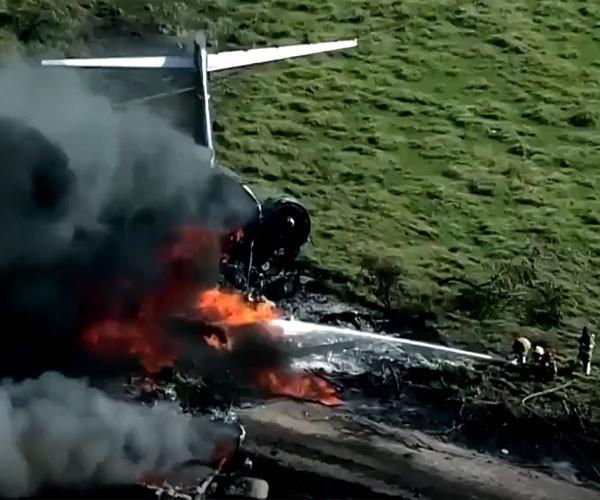 Havalanmaya çalışan uçak alev topuna döndü