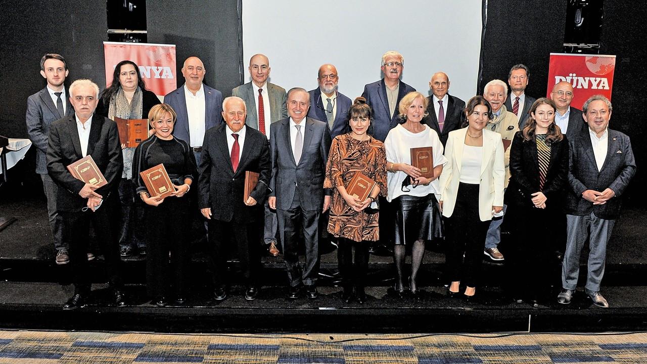 Kitap dünyasında 'yılın en iyileri' ödülleriyle buluştu