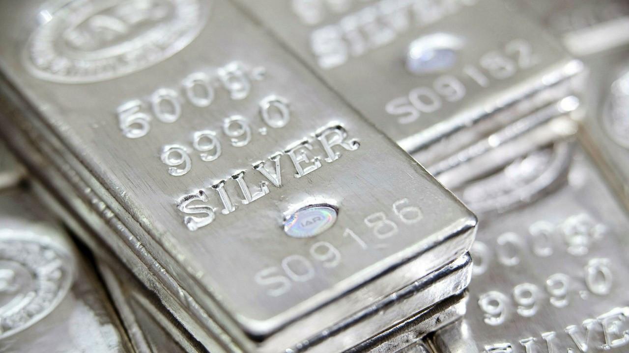 Gümüş yatırımcıya 'davetkâr' davranıyor