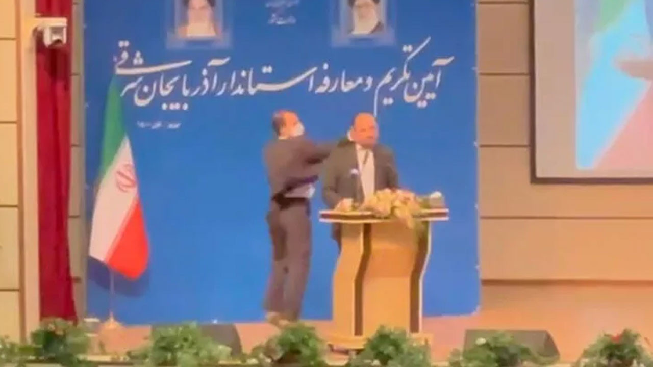 İran'da valiye kameraların önünde tokat