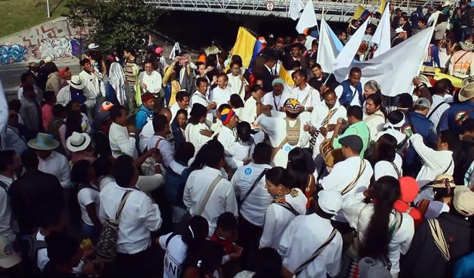 Kolombiya barış için yürüdü