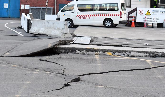 Yeni Zelanda'da art arda deprem