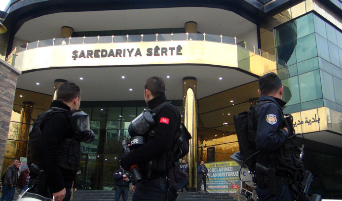 Siirt Belediye Başkanı gözaltına alındı