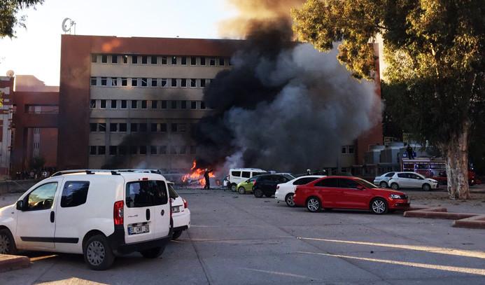 Adana Valiliği'ne terör saldırısı