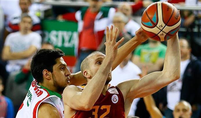 Pınar Karşıyaka Galatasaray Odeabank'ı mağlup etti