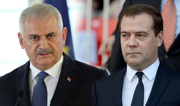 Başbakan Yıldırım, Medvedev ile telefonda görüştü