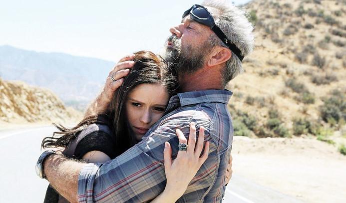 Mel Gibson'la aksiyon, Dori'yle kahkaha
