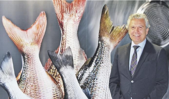 İtalyanlara balık satıyor