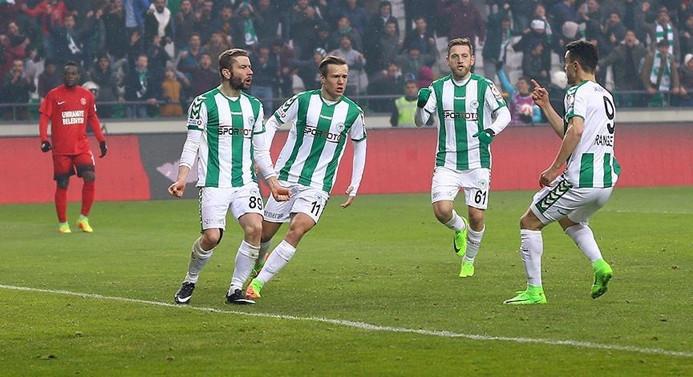 Atiker Konyaspor çeyrek finale yükseldi