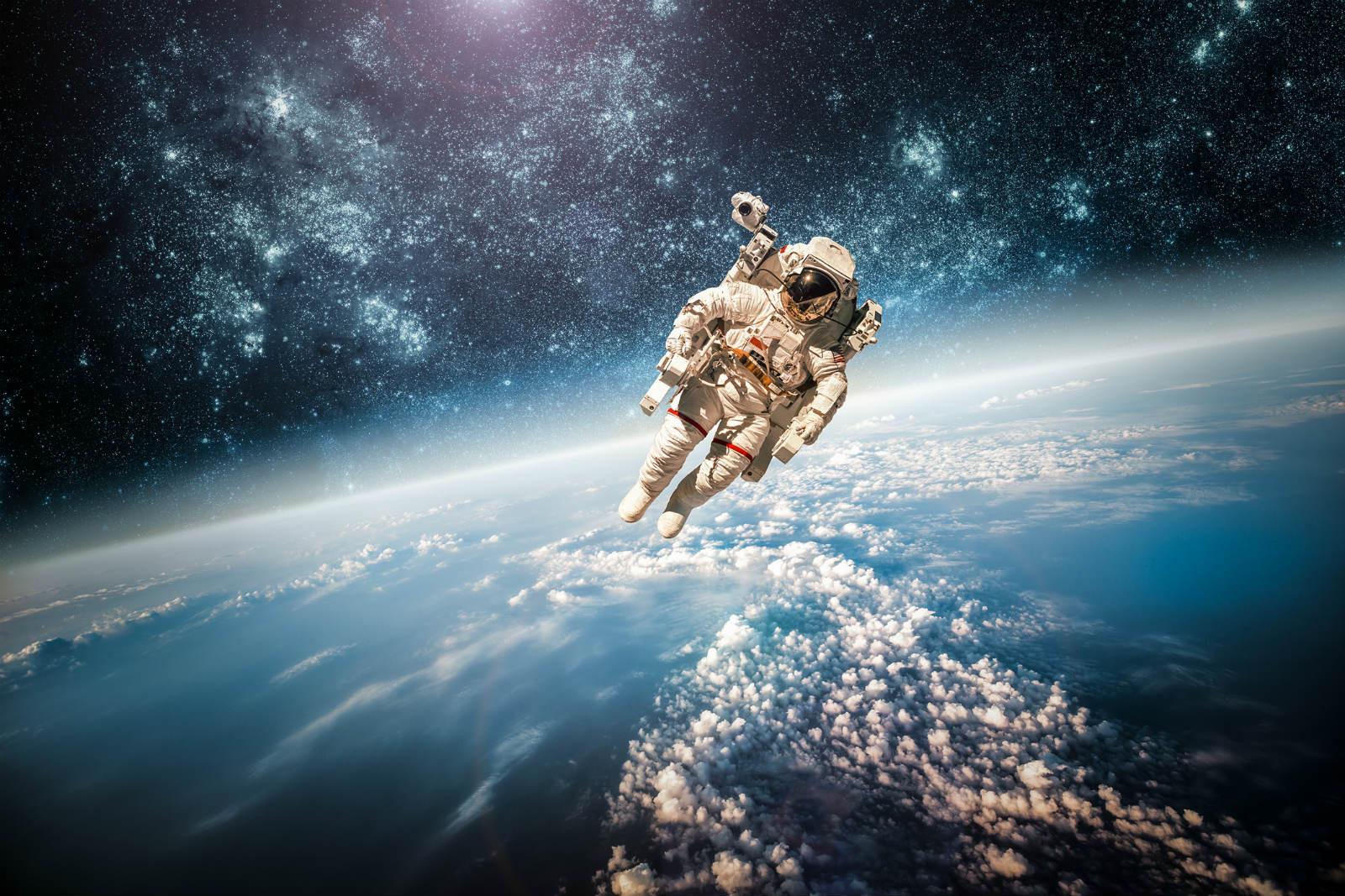 Uzayda insan-robot rekabeti