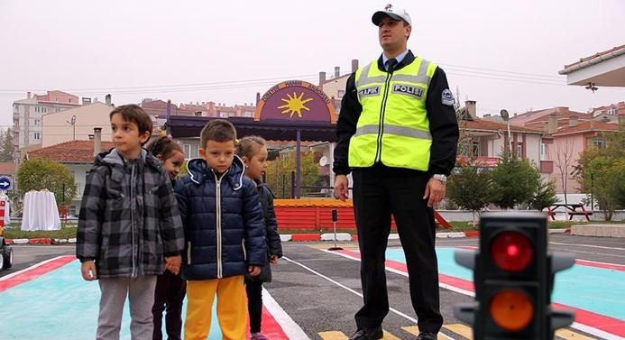 5,5 milyon çocuğa trafik eğitimi verilecek