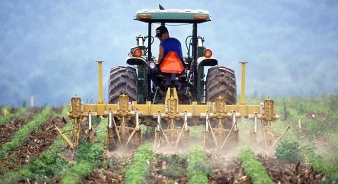 Takibe düşen çiftçi kredileri yapılandırılıyor