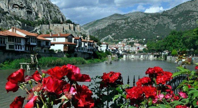 'Şehzadeler şehri'nde 650 bin turist hedefi