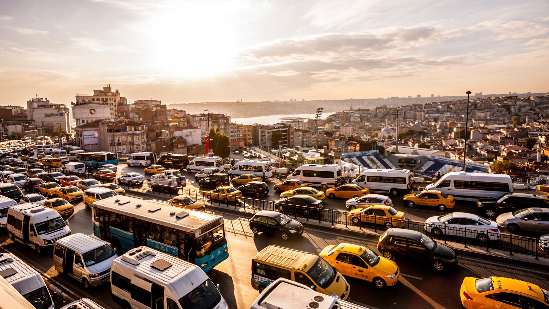 110 bin yeni araç trafiğe çıktı