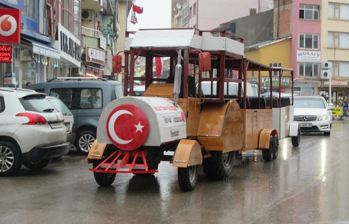 """Hurda araçlarla """"Gezi Treni"""""""