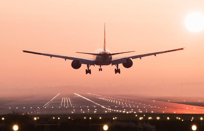 Uçak trafiği azaldı, yolcu sayısı arttı