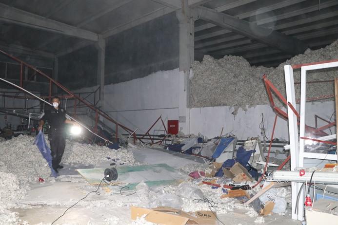 İzmir'de tekstil atölyesinin duvarı çöktü: 2 ölü, 3 yaralı