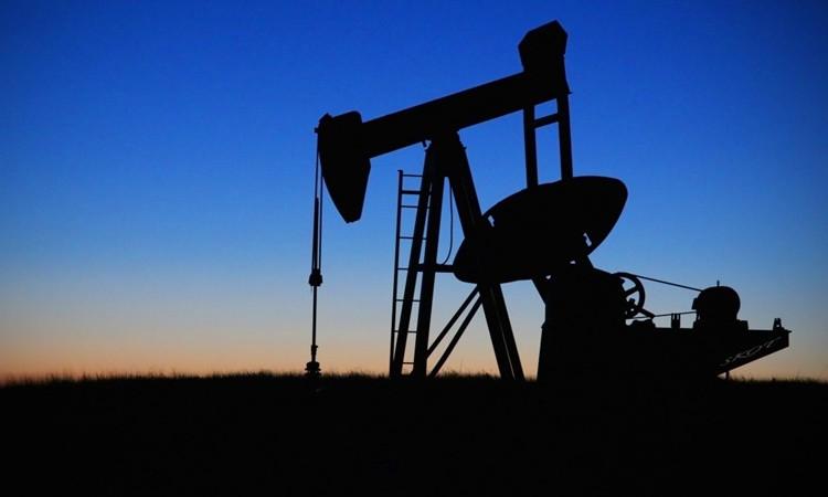 """""""OPEC kesintisi petrol fiyatlarını 70 dolara çıkarır"""""""