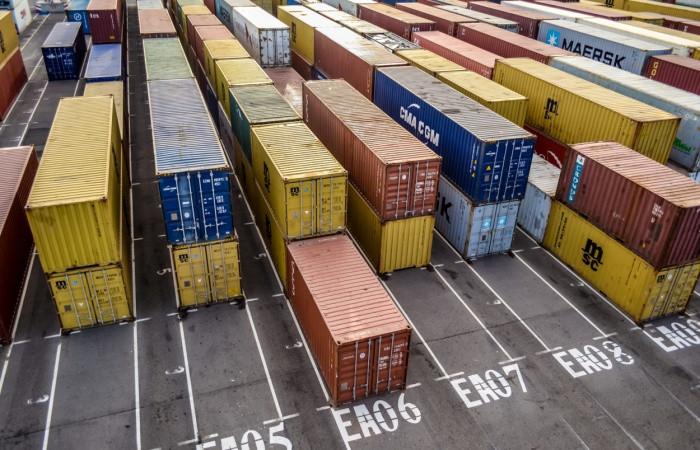 AB, 7.7 milyar euro dış ticaret açığı verdi