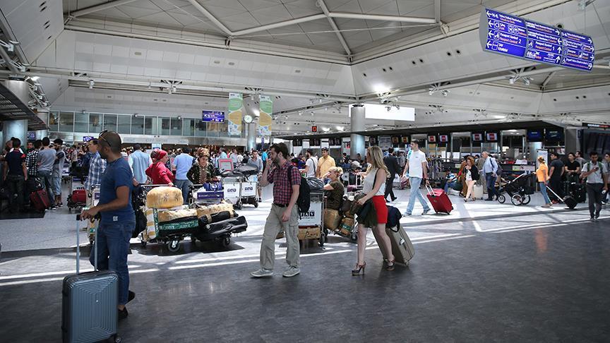Bir ayda 8 milyon yolcu ağırladı