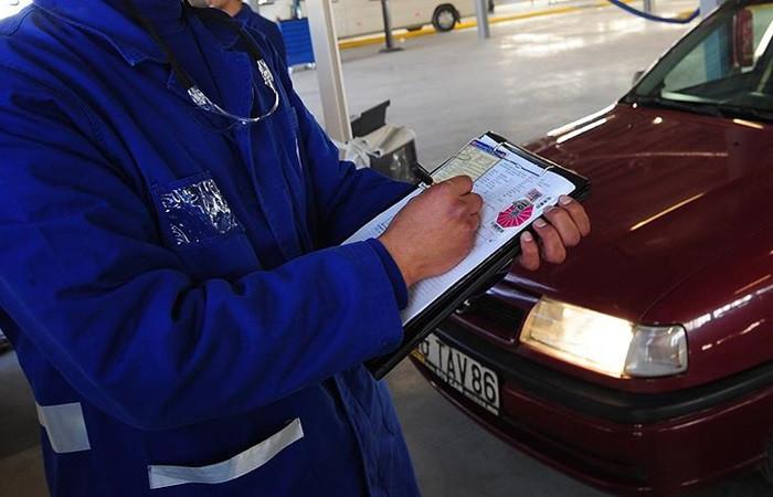 Sorunsuz araç vizesi için su fıskiyesine dikkat