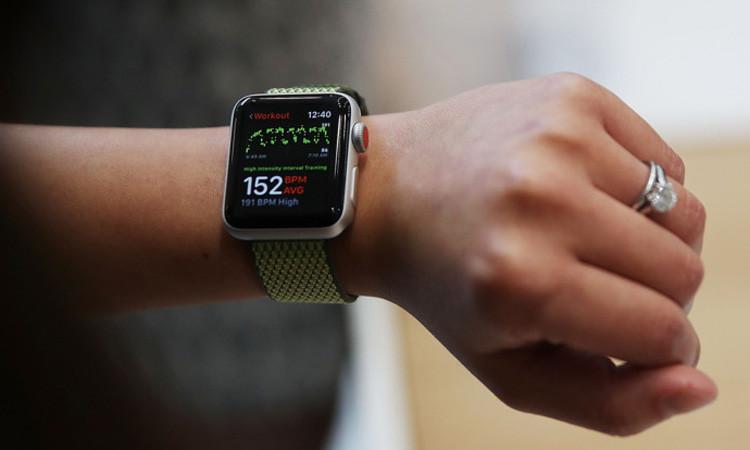 Apple, İsviçreli üreticileri solladı