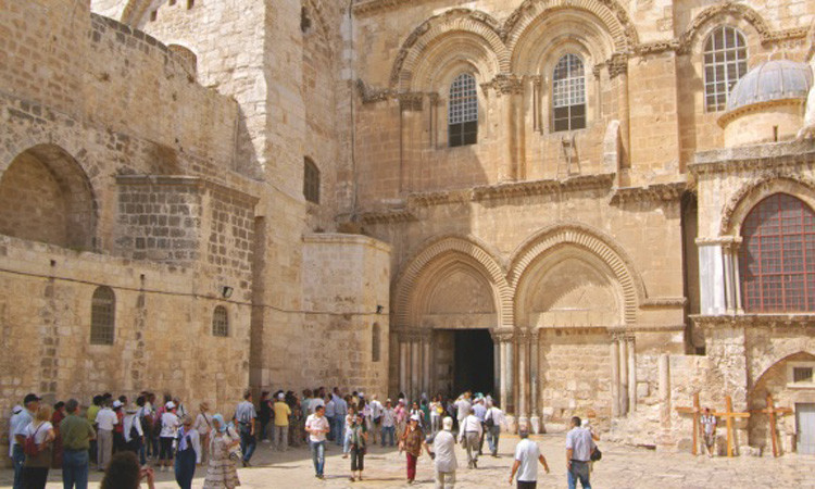 Hristiyanlığın en kutsal mekanında vergi protestosu