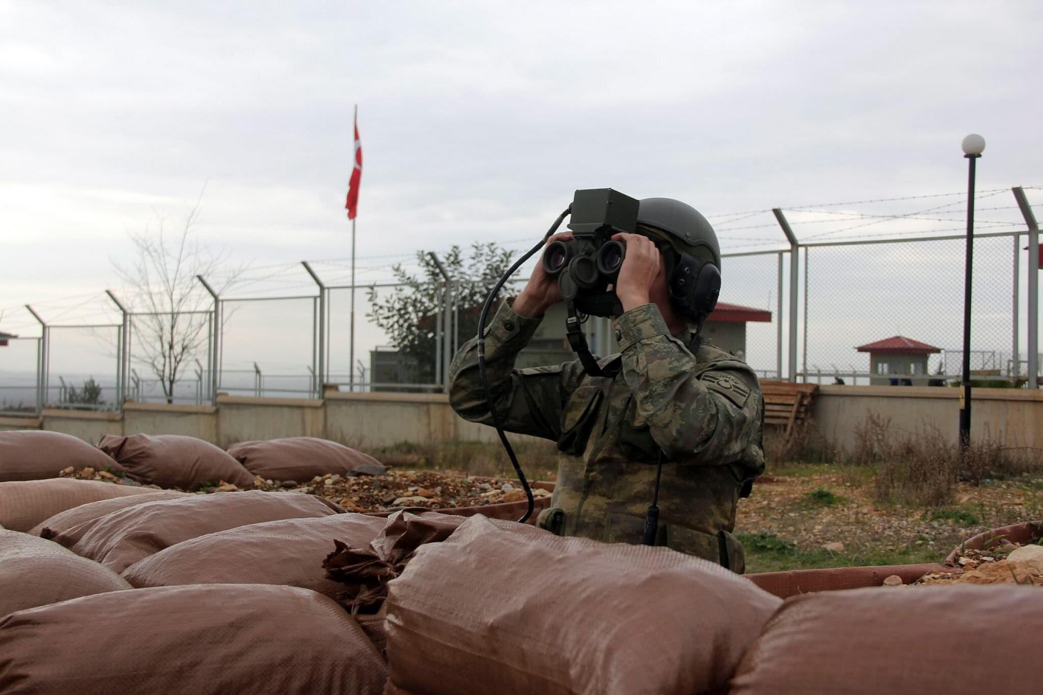 Sınır karakoluna saldırı: 6 asker yaralı