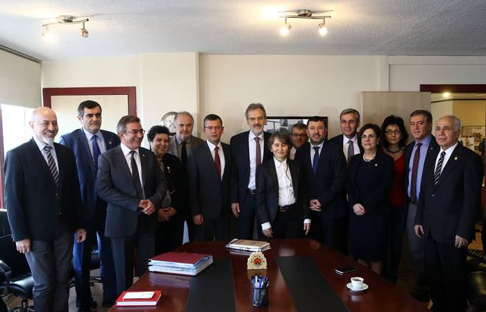 CHP'den TTB'ye destek ziyareti