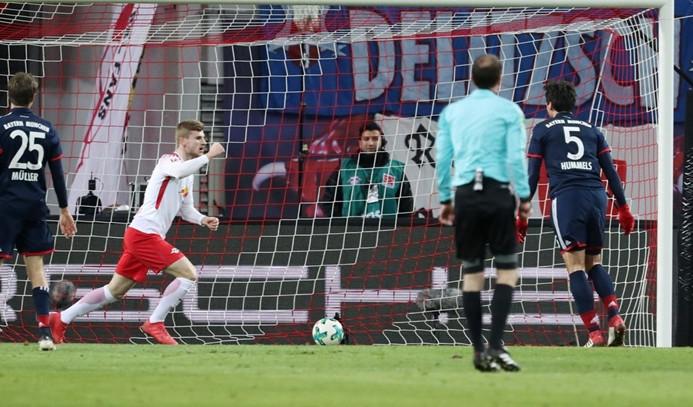 Bayern Münih, seriyi Leipzig'de bıraktı