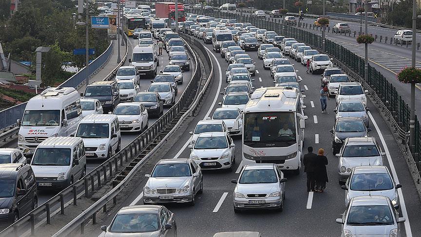 İstanbul trafiği hayatın 3.5 yılını çalıyor