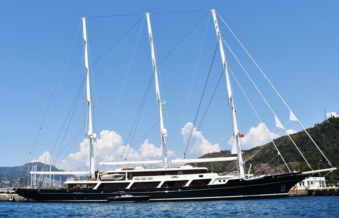 Dünyanın en büyük lüks yelkenli yatı Marmaris'te