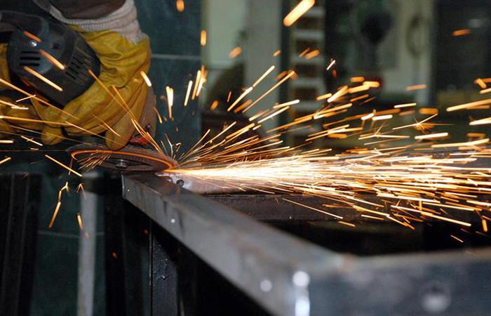 Sanayi üretimi yüzde 7,6 arttı