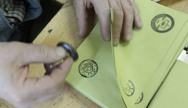 Milletvekili aday listelerinde son gün yarın