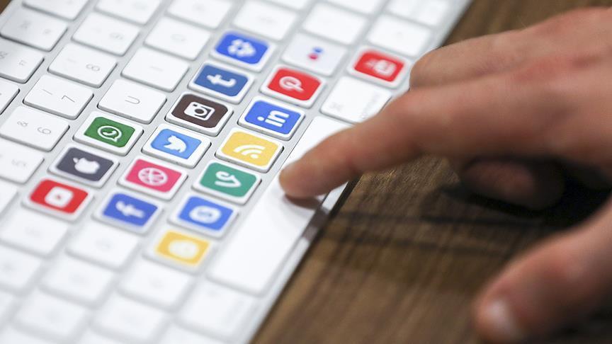 Uganda'da sosyal medya hesaplarını kullananlar vergi ödeyecek