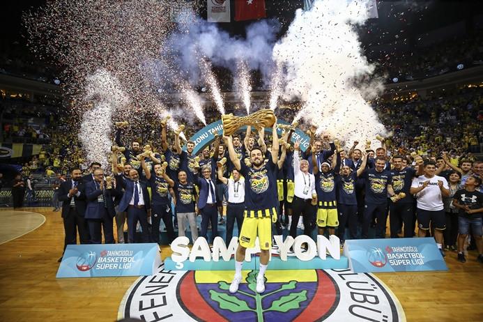 Basketbolda şampiyon Fenerbahçe Doğuş oldu