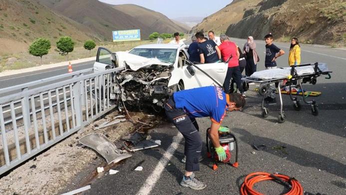 Bayramın ilk gününde trafik kazaları 15 can aldı