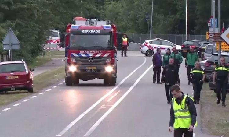 Hollanda'da araç kalabalığa daldı: 1 ölü, 3 yaralı