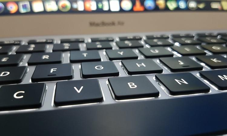 AP'den internete sınırlama girişimi