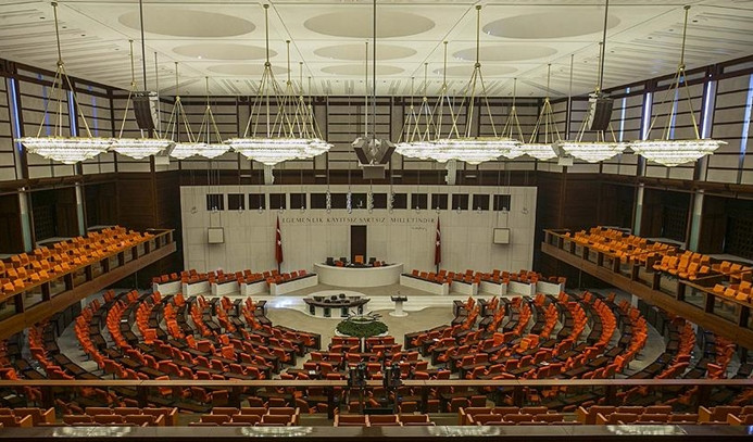 6 genel başkanlı Meclis