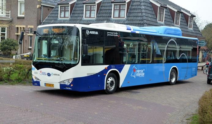Hollanda'da otobüs şoförleri zam talebiyle greve gitti