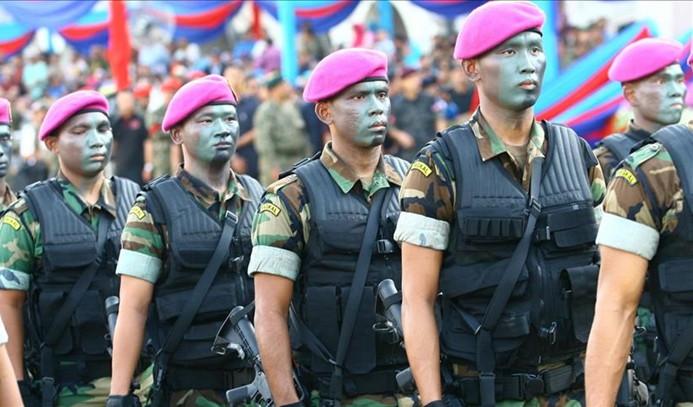Malezya Suudi Arabistan'daki askerlerini geri çekiyor