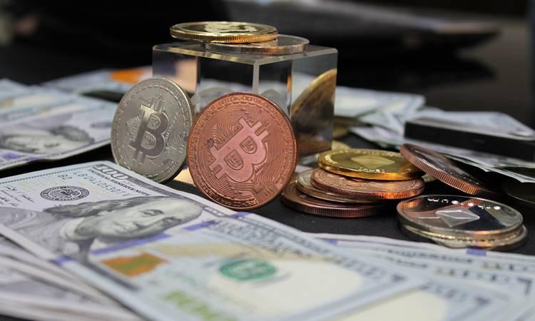 Bitcoin serbest piyasaya düştü!