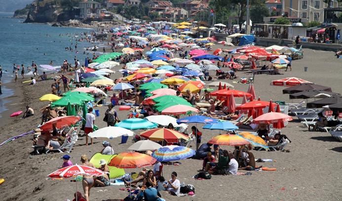 Karadeniz ilçesinin sahilleri güneyi aratmadı