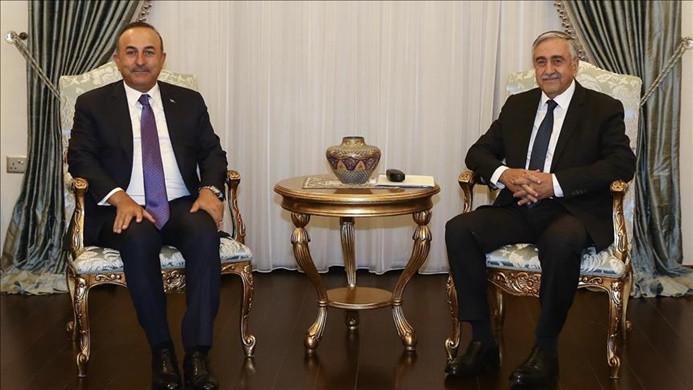 Akıncı, Dışişleri Bakanı Çavuşoğlu'nu kabul etti