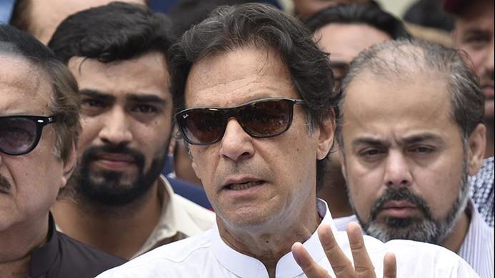 Pakistan'da İmran Han'dan 'seçim zaferi' açıklaması