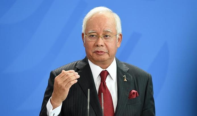 Malezya'da eski Başbakan Rezak serbest bırakıldı