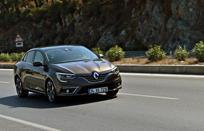 Renault, ilk 6 ayı lider kapattı
